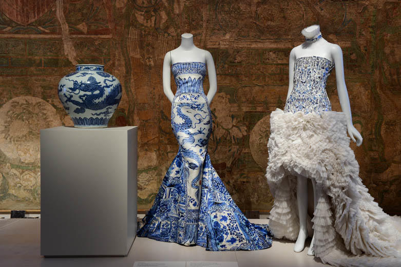 06Chinese Export Vase Roberto Cavalli and McQueen gowns