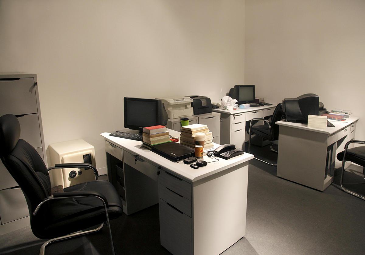 5.呼吸——财务办公室_2013_装置_硅胶、电机、钢架、感应器_长500cm×宽450cm×高350cm
