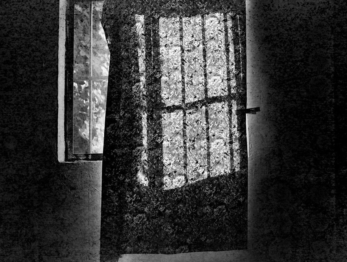©-Luo-Yongjin,-Otherness---Curtain,-Henan,-2014.-Courtesy-of-OFOTO-Gallery,-Shanghai