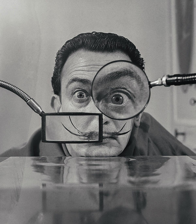 ©-Willy-Rizzo,-SALVADOR-DALI--Loupes,-Paris,-1949.-Courtesy-of-Galerie-Dumonteil,-Shanghai,-Paris,-New-York
