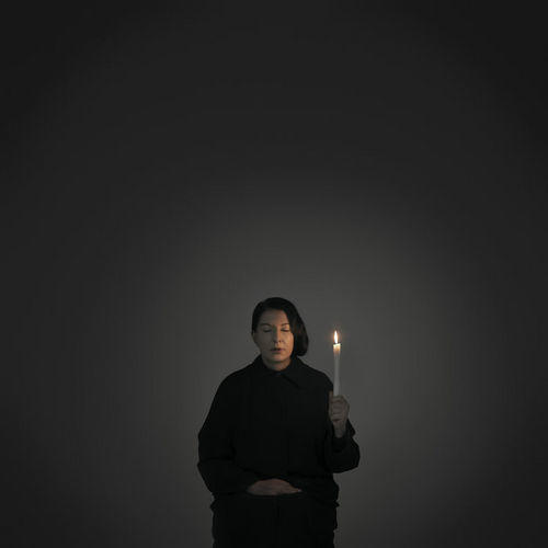 marina_abramovic_artist_portrait_with_a_candle_a_from_the_series_with_eyes_closed_i_see_happiness_2012_abrex_9_650x500_q80