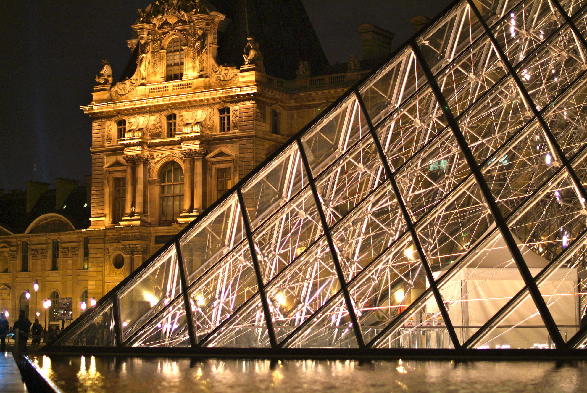 the-louvre-pyramid-paris-by-i-m-pei